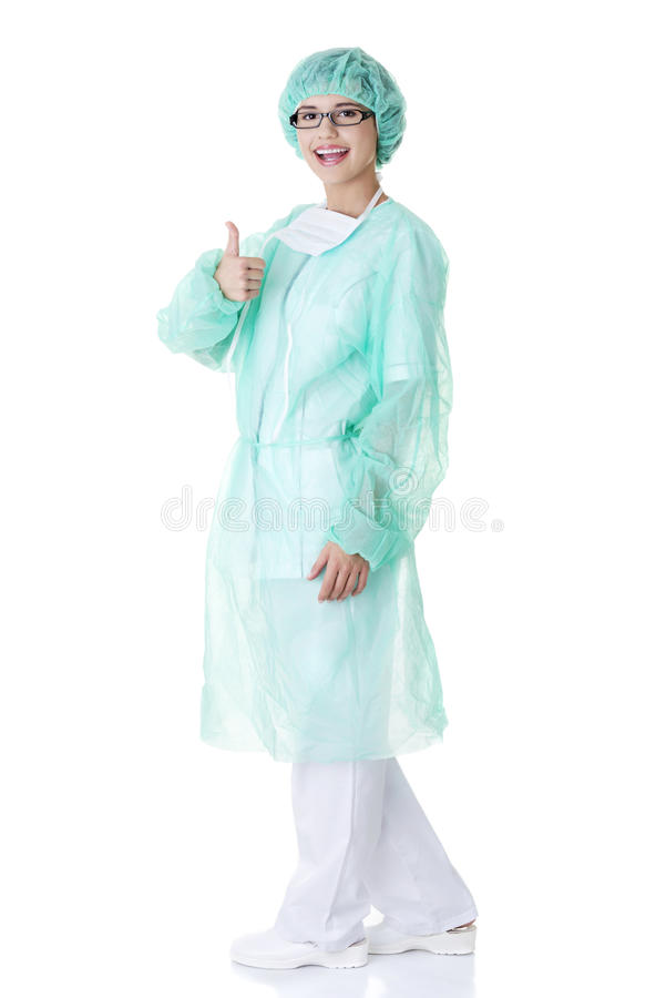 Cirujano o enfermera de sexo femenino que gesticula OK fotos de archivo libres de regalías