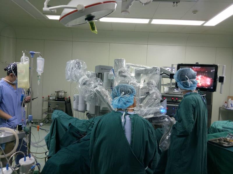 Cirurgia usando a Dinamarca Vinci Machine fotografia de stock
