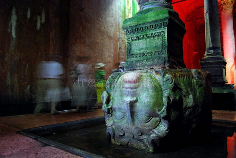 Cisterna da basílica - cabeça do Medusa imagem de stock
