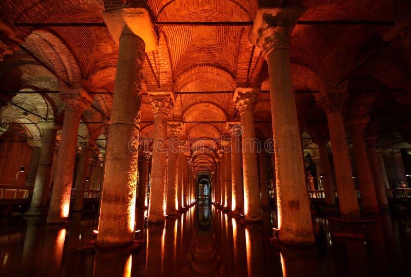 A cisterna da basílica em Istambul fotografia de stock