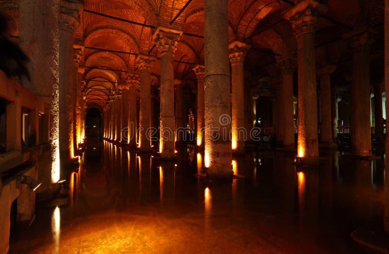 A cisterna da basílica em Istambul fotografia de stock royalty free