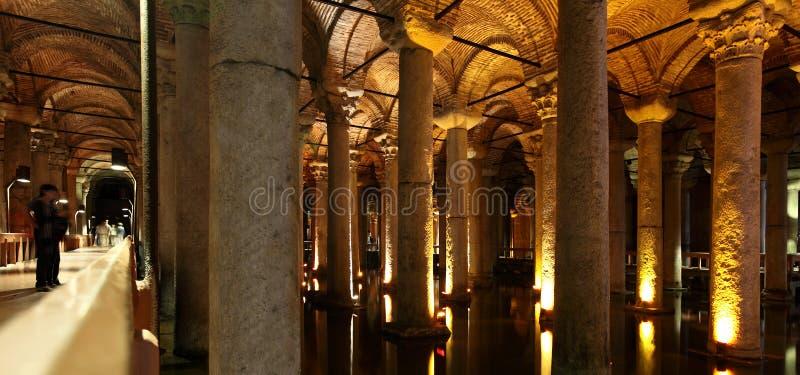 Cisterna da basílica em Istambul imagens de stock royalty free