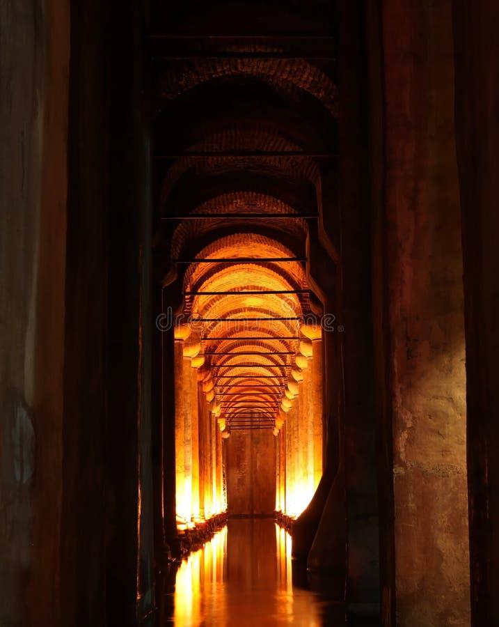 A cisterna da basílica em Istambul imagem de stock royalty free