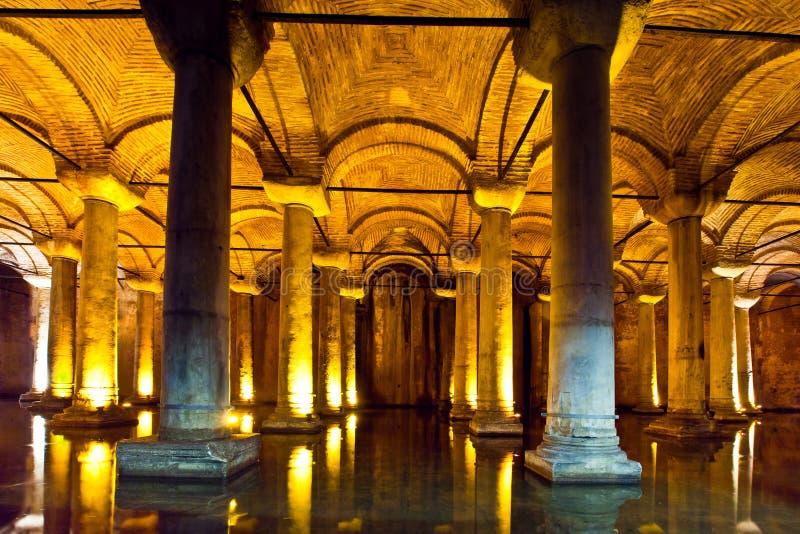 Cisterna da basílica em Istambul, Turquia fotografia de stock royalty free