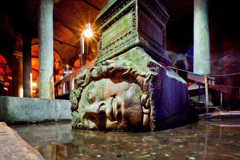 Cisterna da basílica em Istambul, Turquia foto de stock royalty free