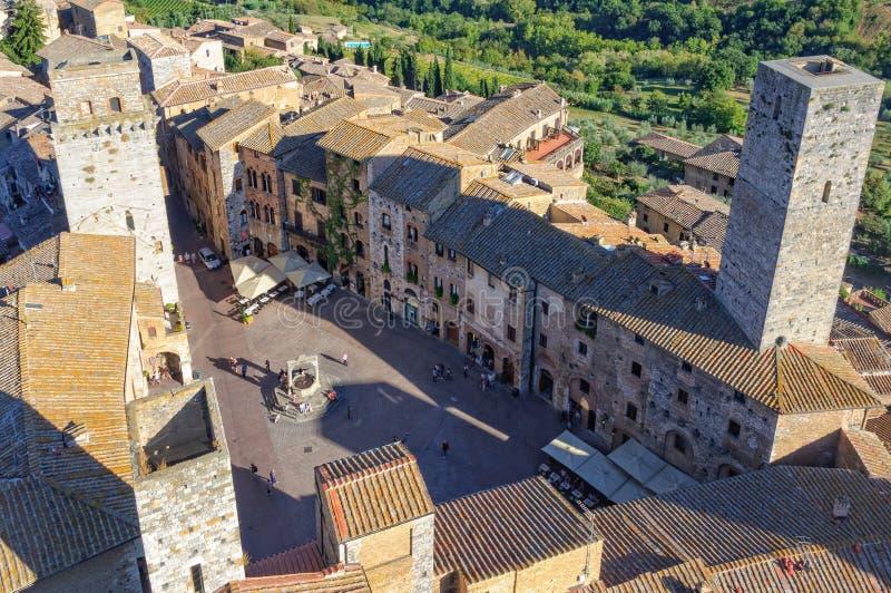 Cisterna de della de Piazza - San Gimignano images stock