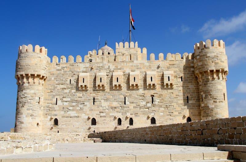 Citadela da baía Alexandria de Qaid, Egito imagem de stock
