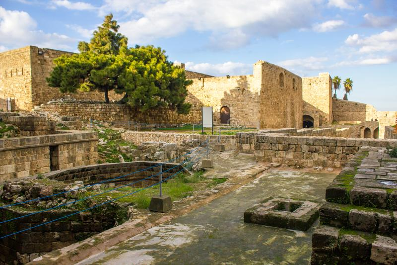 Citadela de Raymond de Saint-Gilles em Tripoli, L?bano fotos de stock royalty free