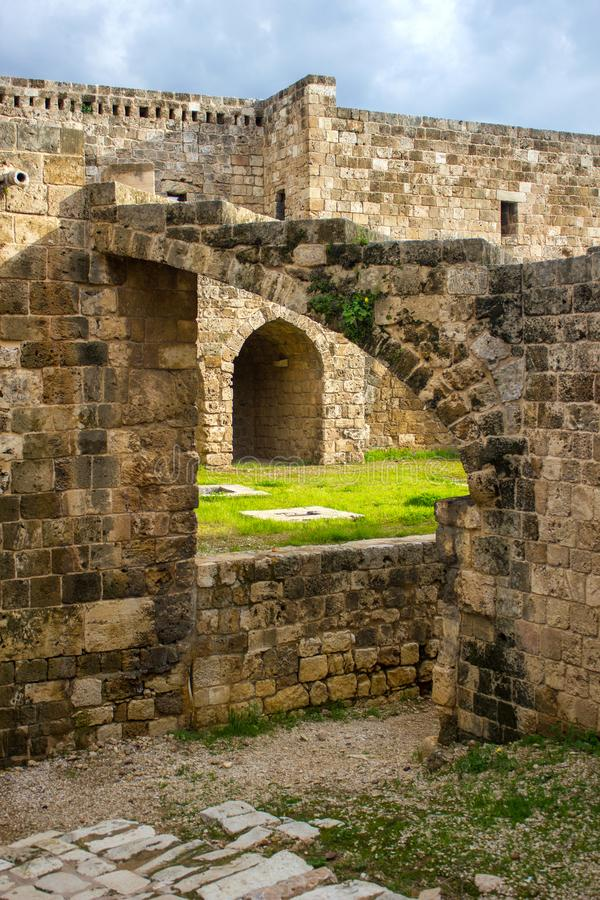 Citadela de Raymond de Saint-Gilles em Tripoli, L?bano fotos de stock