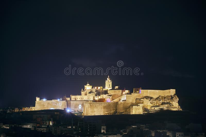 Citadela iluminada da fortaleza na noite foto de stock royalty free