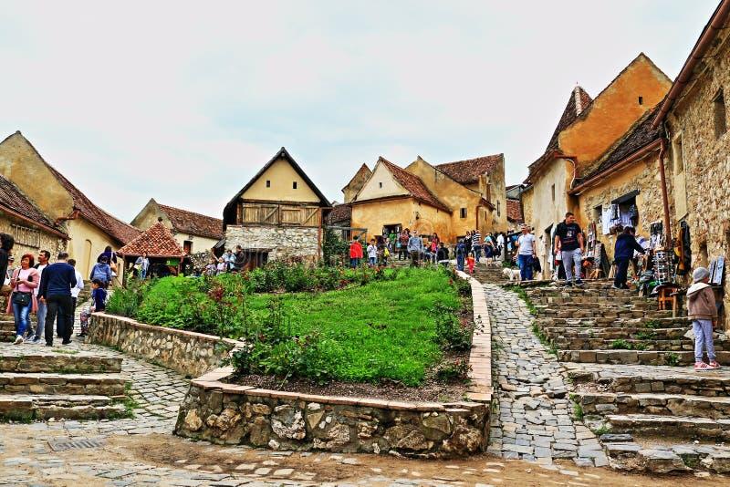 Citadelle médiévale la Transylvanie Roumanie de Rasnov de village images stock