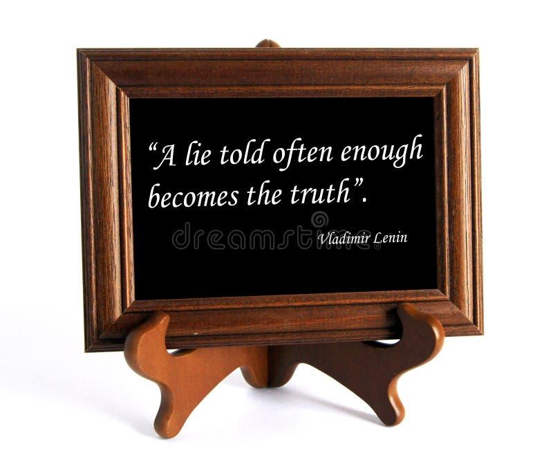 Citationstecken om lögn och sanning royaltyfri foto