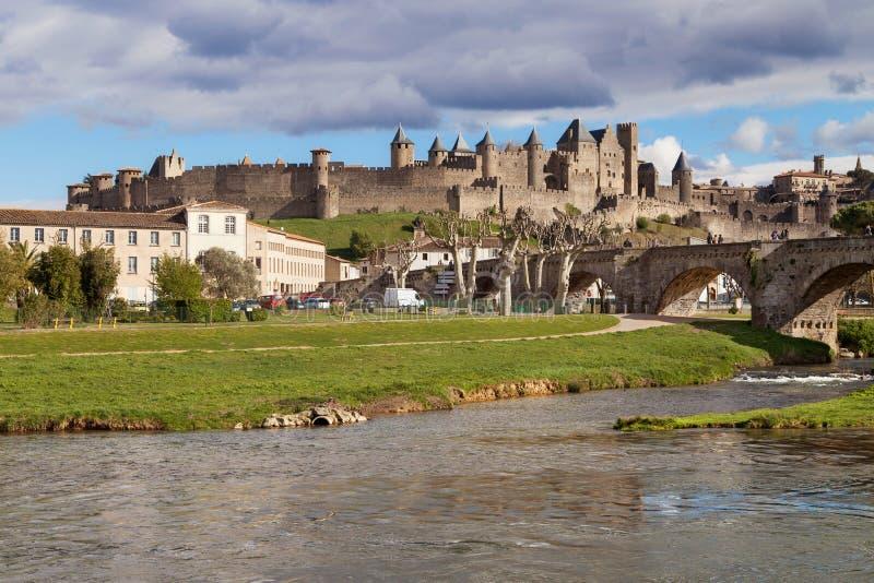 Citez De Carcassonne de la rivière de l'Aude photographie stock