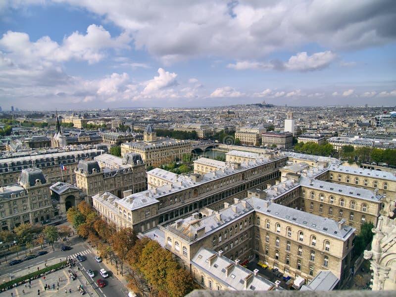 citez la vue de Paris d'île de jour photo libre de droits