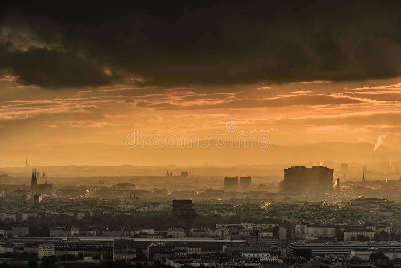 Citiscape di Vienna al tramonto immagini stock