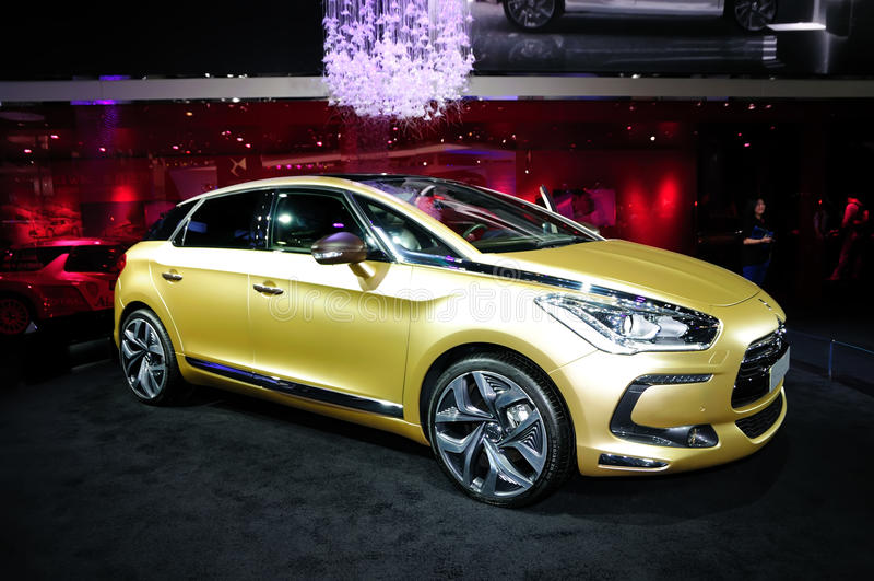 Citroen DS5 Golden Pearl concept car stock photos