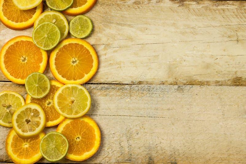Citroenen, sinaasappelen en kalk royalty-vrije stock afbeelding