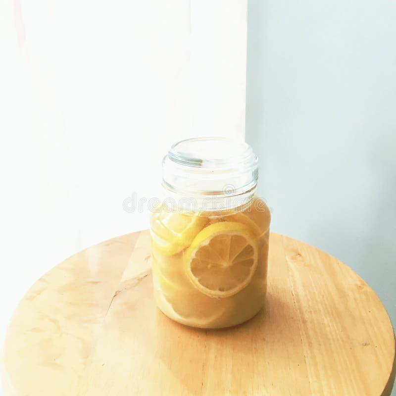 Citron/miel/eau images libres de droits