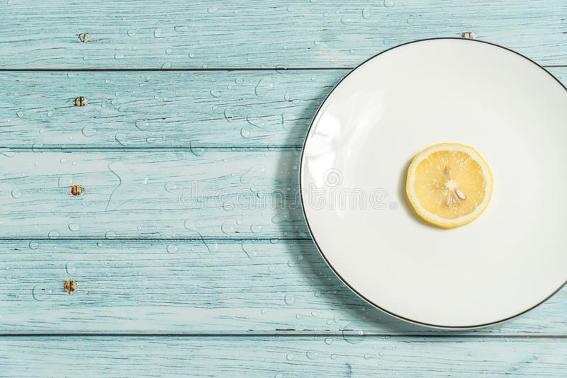 Citron och cyan wood bakgrund royaltyfri bild