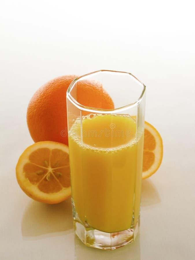 Citrusfruktfruktsaft förnyar och stärker arkivfoto