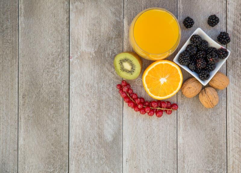 Citrusvrucht, bessen en noten royalty-vrije stock afbeelding