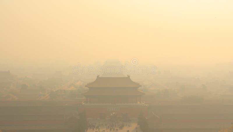 città Aero-inquinante fotografie stock libere da diritti