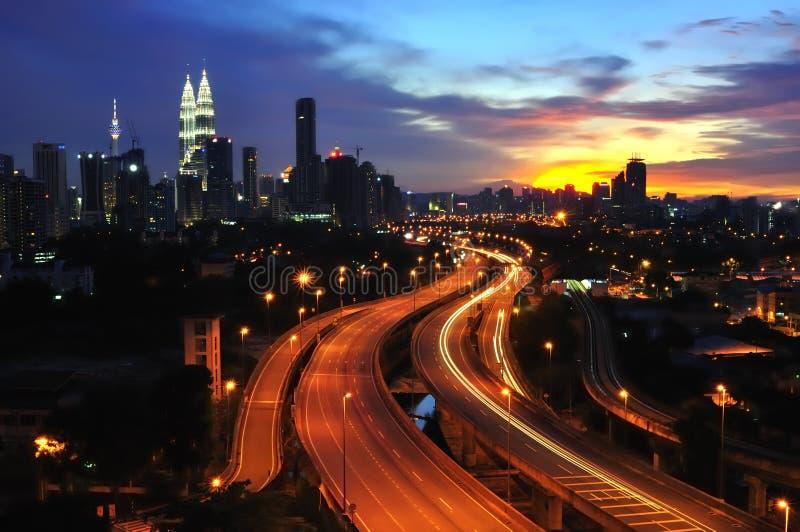 Città al tramonto immagine stock