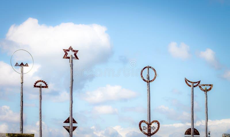 Città alla scultura del ponte del mare a Wellington, Nuova Zelanda immagine stock