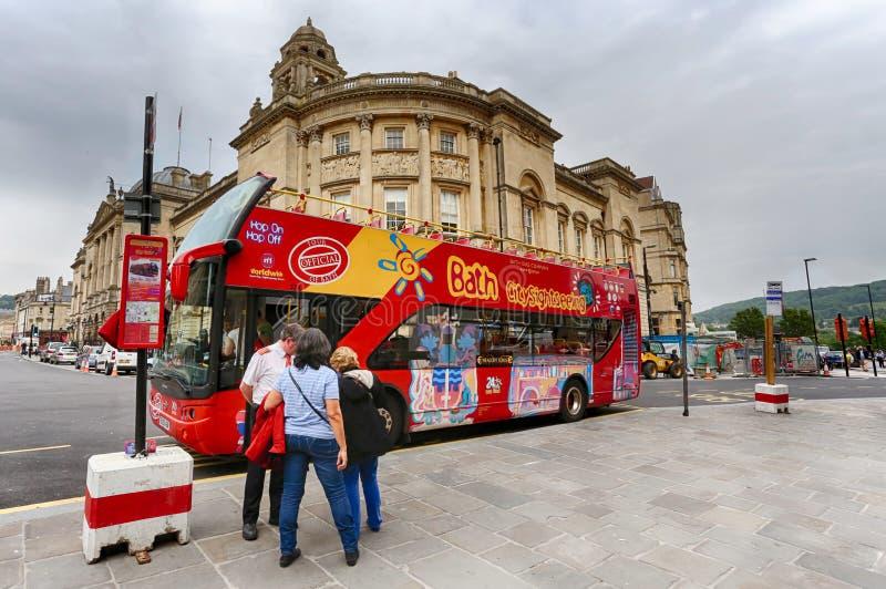 Città del bus facente un giro turistico del bagno fotografie stock