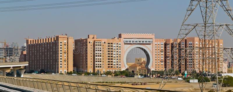 Città del Dubai delle costruzioni dei grattacieli di panorama, Emirati Arabi Uniti immagini stock libere da diritti