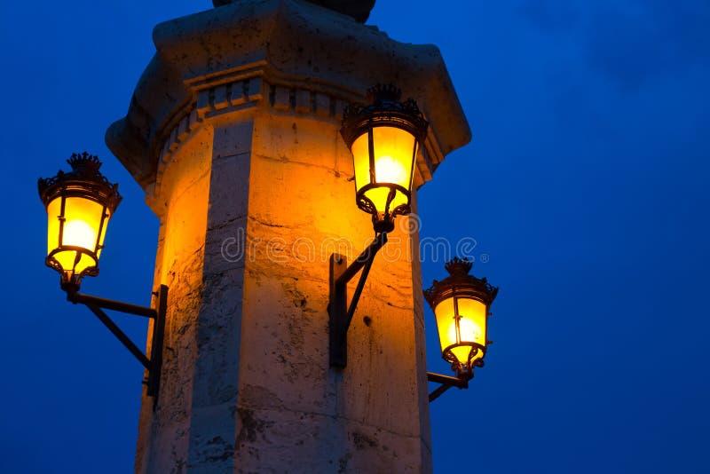 Città del ponte Puente Del Mar di notte di Valencia fotografie stock