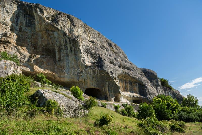 Città della caverna in valle di Cherkez-Kermen, Crimea fotografia stock