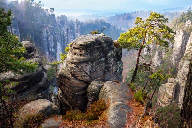 Città della roccia nel paradiso della Boemia fotografie stock