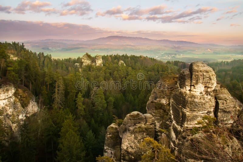 Città della roccia nel paradiso della Boemia, hdr immagini stock