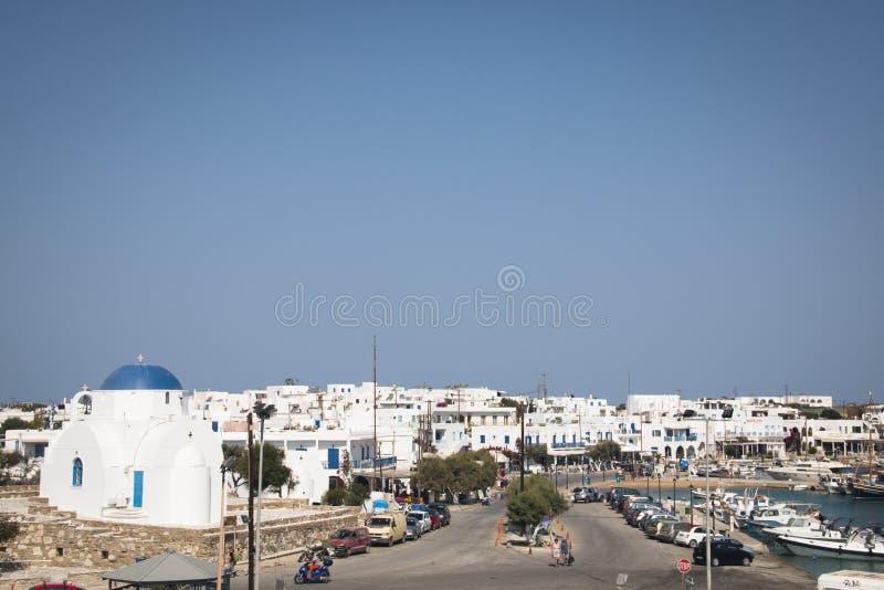Città di Antiparos con la chiesa, Grecia immagini stock libere da diritti