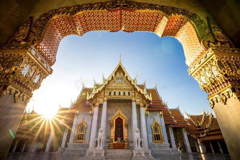Città di Bangkok - tempio del dusitvanaram di Benchamabophit immagini stock libere da diritti