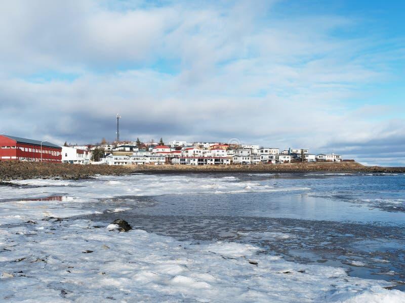 Città di Borgarnes, Islanda occidentale nell'inverno fotografia stock libera da diritti