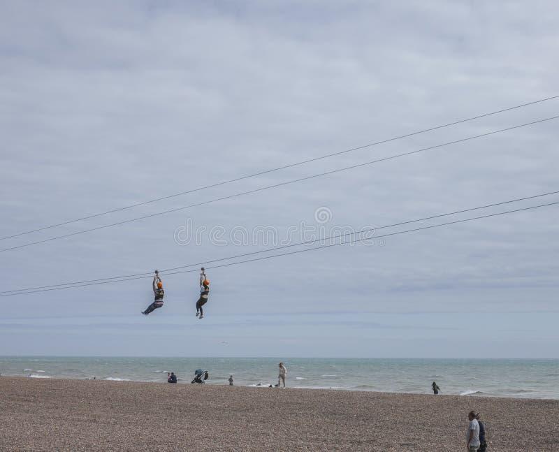Città di Brighton - zippando sulla spiaggia fotografia stock libera da diritti