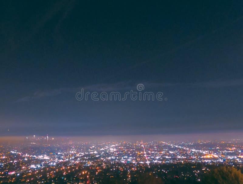 Città di California alla notte fotografie stock