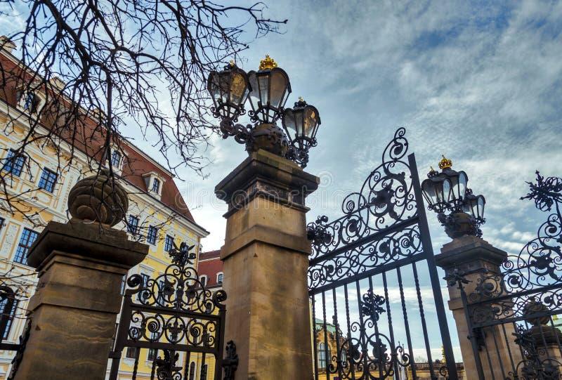 Città di Dresda saxony germany Centro di vecchia città Lanterne d'annata immagini stock libere da diritti