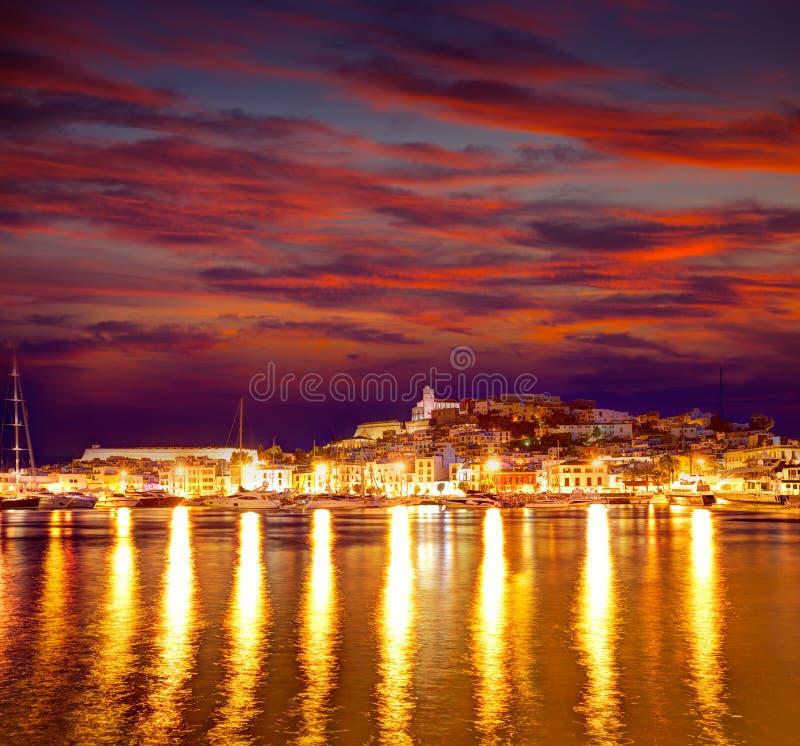 Città di Eivissa Ibiza del centro al tramonto in balearico fotografia stock
