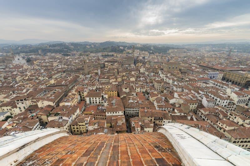 Città di Firenze dalla cupola di Brunelleschi della cattedrale di Firenze fotografia stock libera da diritti
