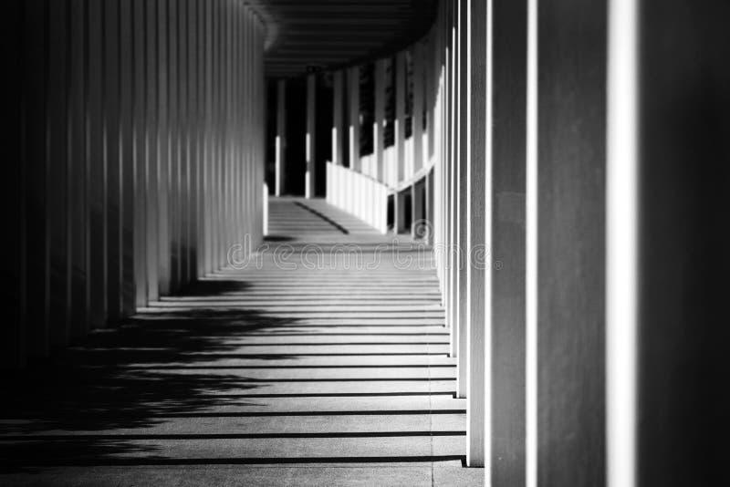 Città di Hallway moderna vuota con luce del sole del mattino Contesto Urbano fotografia stock libera da diritti