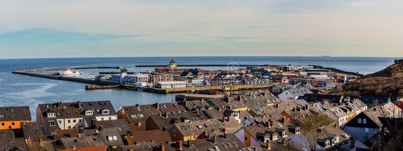Città di Helgoland dalla collina fotografia stock libera da diritti