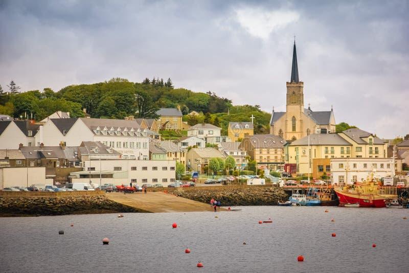 Città di Killybegs Contea il Donegal l'irlanda fotografia stock libera da diritti