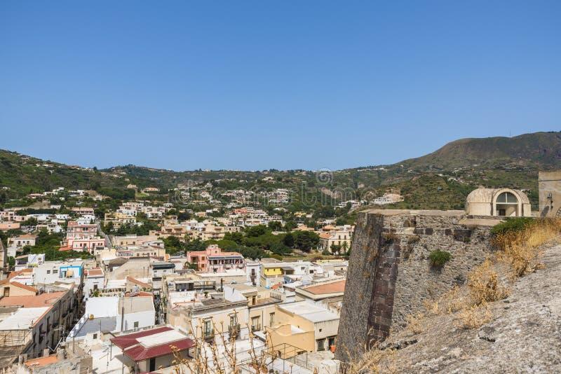 Città di Lipari sull'isola di Lipari, Sicilia fotografia stock