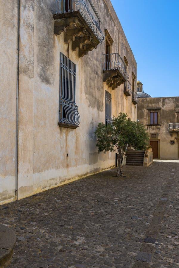 Città di Lipari sull'isola di Lipari, Sicilia immagine stock libera da diritti
