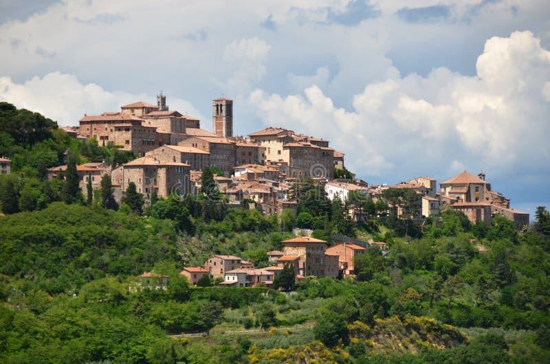 Città di Montepulciano, Italia fotografie stock libere da diritti