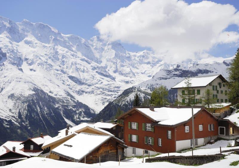 Città di Murren in alpi svizzere immagine stock