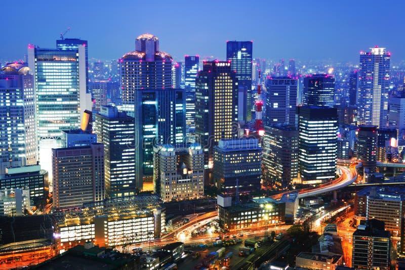 Città di Osaka alla notte immagine stock